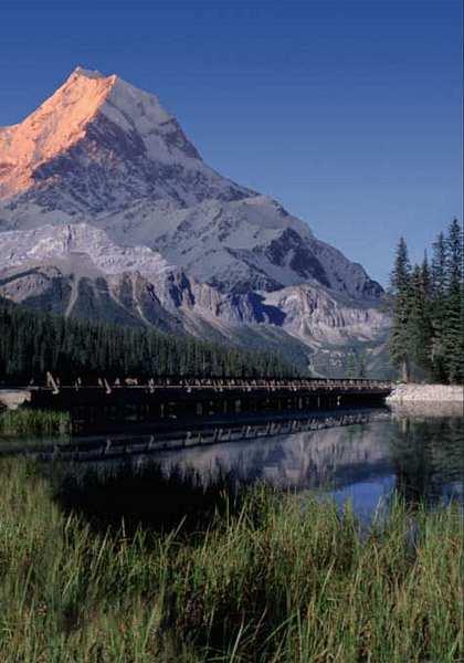 Mountain Lake, kanadischer See vor verschneiten Rocky Mountains 183x254cm, 4-teilig- bei Klick zurück zur Motivübersicht