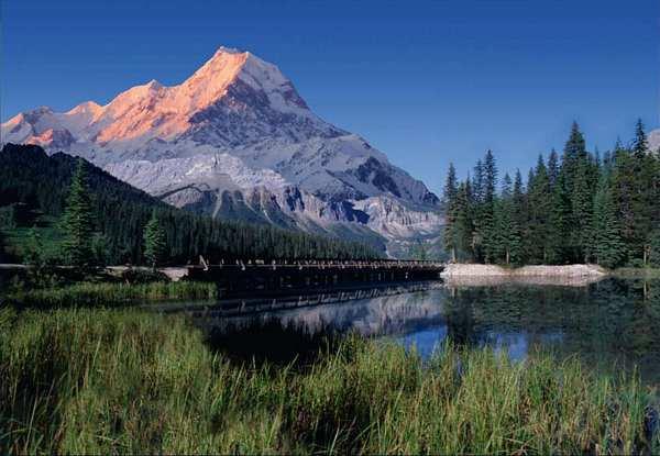 Mountain Lake, kanadischer See vor verschneiten Rocky Mountains 366x254cm, 8-teilig- bei Klick zurück zur Motivübersicht