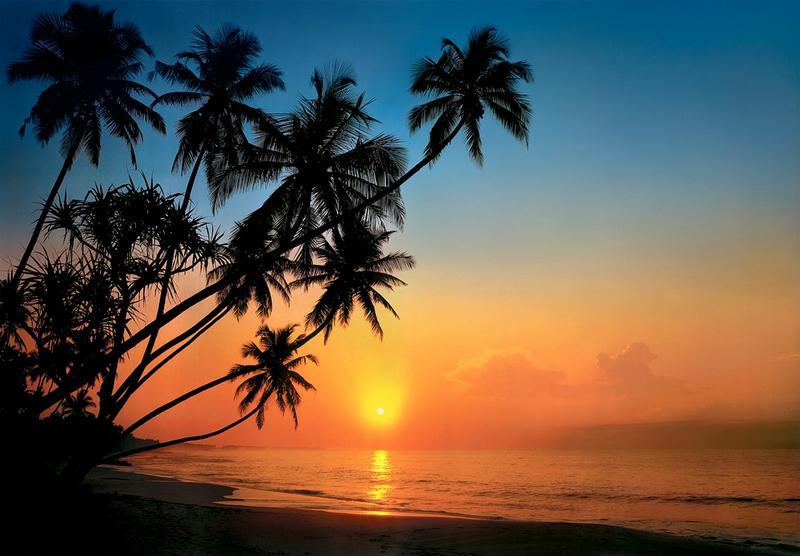 Tropeninsel im Sonnenuntergang, traumhafter Inselblick - bei Klick zurück zur Motivübersicht