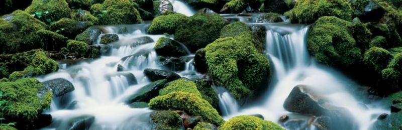 Wildwasser, wilde Strömung - bei Klick zurück zur Motivübersicht