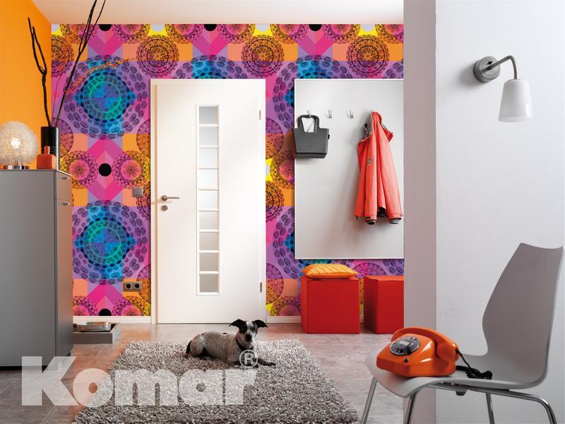 Kaleidoskop, Ambientefoto im Wohnbereich Eingangstür - bei Klick zurück zum Motiv