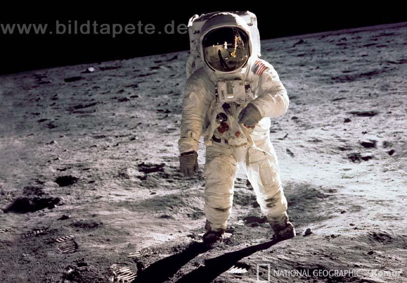 MAN ON THE MOON, Originalfoto von Neil Armstrong: Buzz Aldrin beim Mondspaziergang im Mare Tranquillitatis - bei Klick zurück zur Motivübersicht