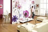 violet Flowers im Wohnbereich - bei Klick vergrößerte Darstellung